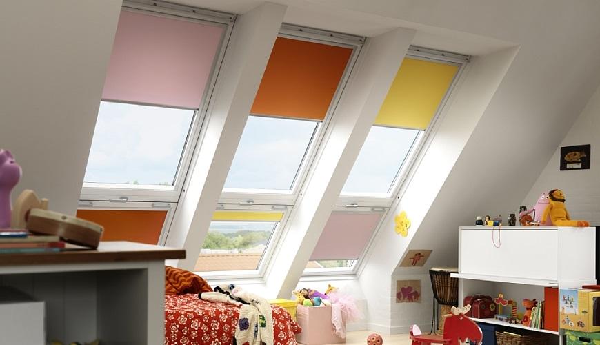 Рулоні штори для мансардних вікон