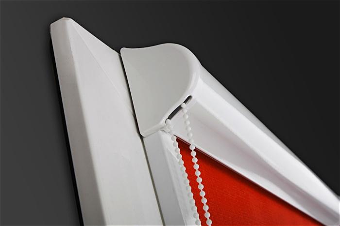 Рулоні штори закритого типу